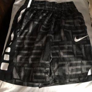 New w/o tag Nike Boys Small Swim Trunk Shorts